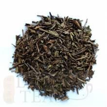 (Japon) Hojicha -Thé vert grillé japonaisBIO 50g  Son arôme soutenu convient parfaitement pendant le repas, particulièrement avec du poisson.  Bancha de classe supérieure, légèrement torréfié. Le processus de torréfaction a lieu après le traitement proprement dit. Donc, dans le cœur, c'est un thé vert non oxydé.  En été, c'est aussi un plaisir de le consommer froid.    Préparation: en théière porcelaine  Température 90 °C, Dosage: 2 c.c/50CL. Durée:3-4 min.    Ideal pendant le repas