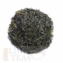 (Japon)Sencha Fukujyu 50g    Thé vert japonais, naturel et frais. Il se singularise par une douceur d'ensemble que vient contrebalancer une certaine vivacité. Cueilli en mai, il est très populaire au japon, où il fait office de thé quotidien. Très riche en vitamine C, l'infusion de couleur verte est étonnante.  Un prix idéal pour découvrir le plaisir du thé vert à la japonaise.    Préparation :en théière porcelaine ou un mug équipé d'un filtre  Température 85 °C,      Dosage: 2 c.c.        Durée:1-2 min.    Ideal avant ou après le repas.
