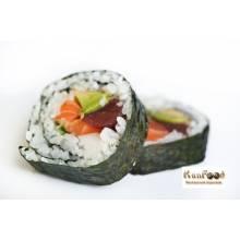 Futomaki (gros maki au saumon, thon, surimi et avocat), 10 pièces