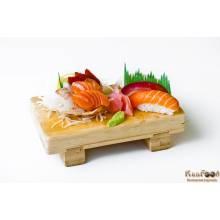 A6: 3 sushis (saumon, thon, daurade) et 6 sashimis( 2 saumons, 2 thons et 2 daurades)