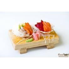 A7: 12 pièces assortiment sashimis (6 saumons, 3 thons et 3 daurades)